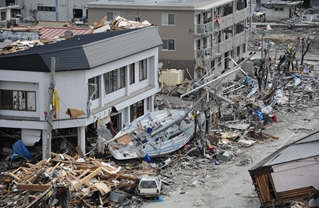 Search-and-Rescue Workers Arrive in Ofunato